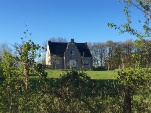 Haus Rossberg von der Seestraße aus gesehen