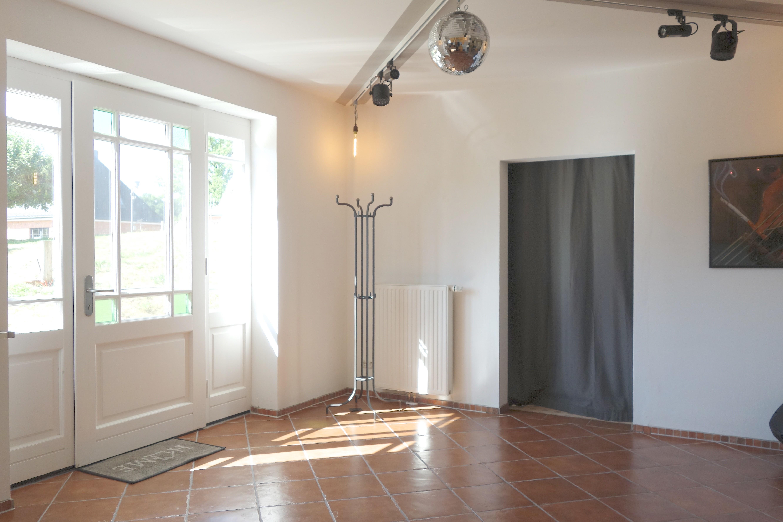 Tanzfläche und Eingang der Ferienwohnung